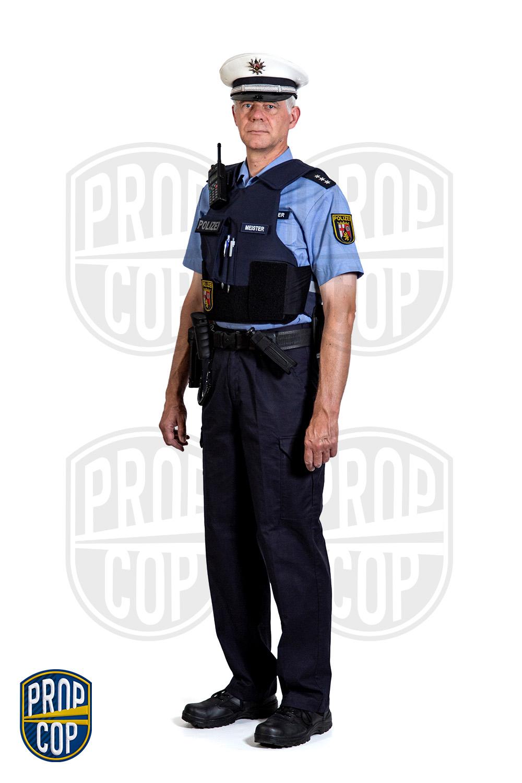 Pfälzer Polizist mit Schutzweste