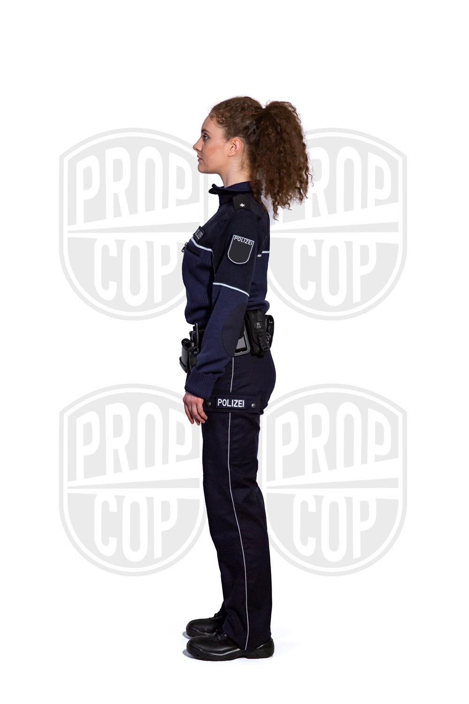 Polizistin aus NRW mit Pullover