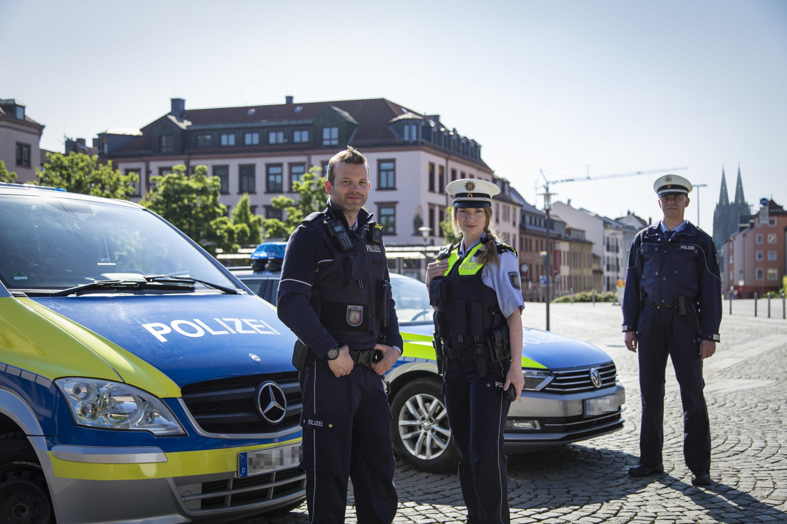 Polizisten in Köln für Film und Fernsehen