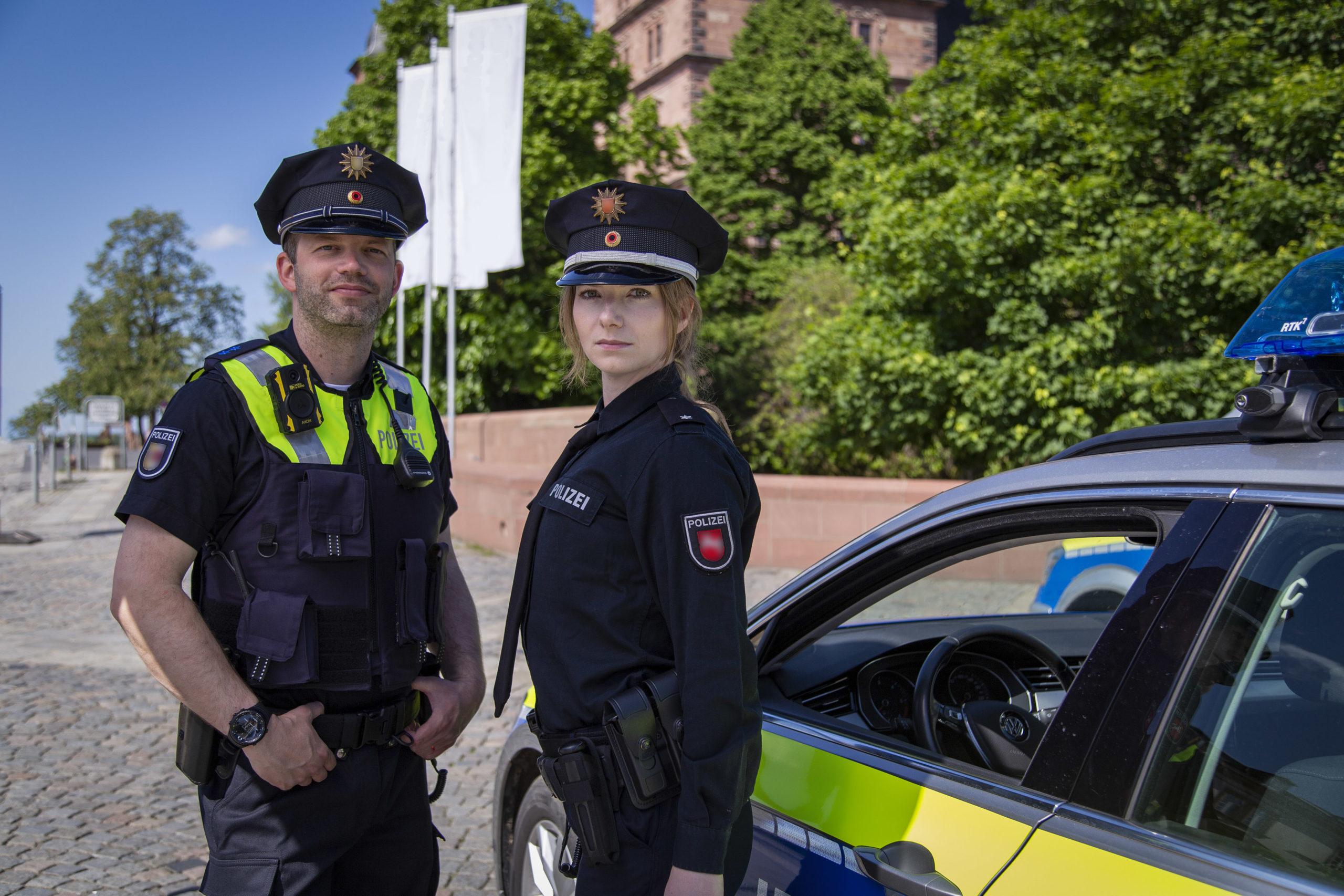 Polizisten Niedersachsen Streifenwagen