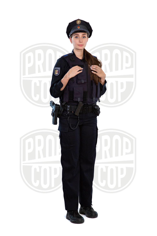 Polizistin mit Außentrageweste Mecklenburg Vorpommern